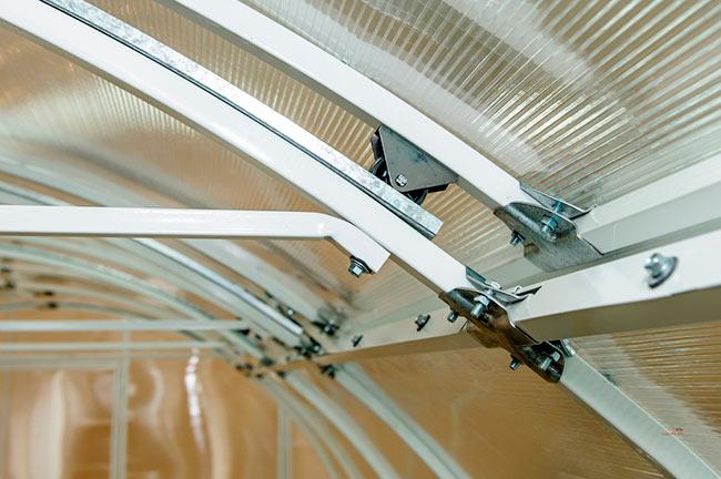 Механизм крыши теплицы Кормилица-умница