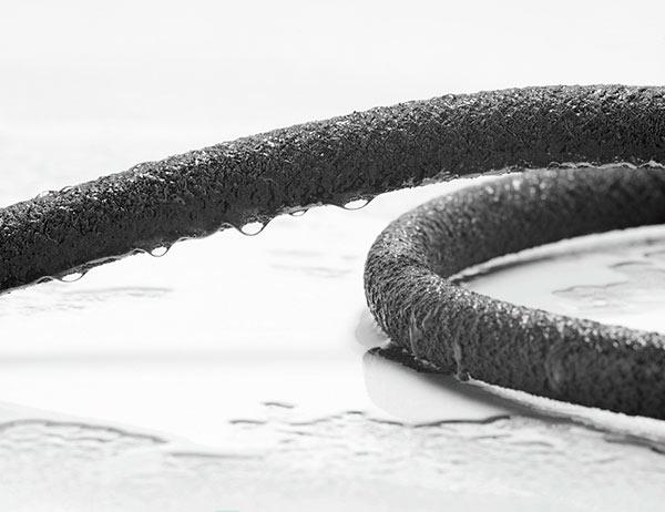 Сочащийся шланг из пористой резины